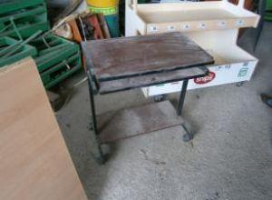 Gurulós asztal