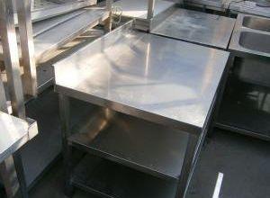 Rozsdamentes asztal