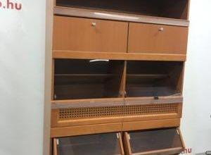 Pékáru adagoló szekrény