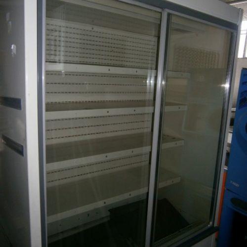Fali üvegajtós hűtő