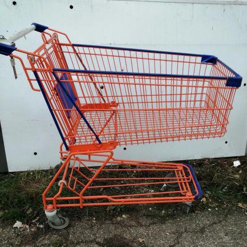 Használt bevásárlókocsi